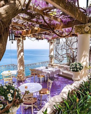 A beautiful lunch view in Sorrento, Italy 😍🇮🇹 With whom would you eat here? ❤️ Double tap If you love this ❤️ ————— 📸 ➡️ pinkines Follow the.travelexperience Follow the.travelexperience Follow the.travelexperience - #italylovers #italy_vacation #italyfood #amalficoastitaly #italytourism #italyvacation #italyphoto #italylandscape #italylove #travelsitaly #dolomites #bergamo #lucca #veniceitaly #romeitaly #italianlandscapes #italy #italianalps #italiansummer #italianlifestyle #italianvillages #italianculture #travel #traveling #traveldestinations #livetotravel #italytrip #italytour #madeinitaly #igersitaliani