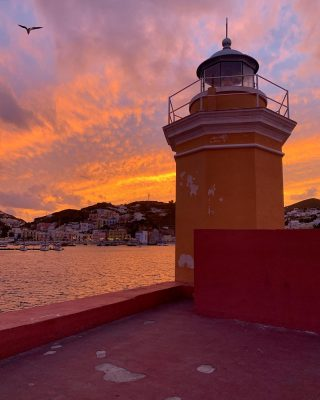 I decided to stay for a few more sunsets #visitponza #gillianknowsbest #visititaly #iloveitaly #visitlazio #isoleitaliane